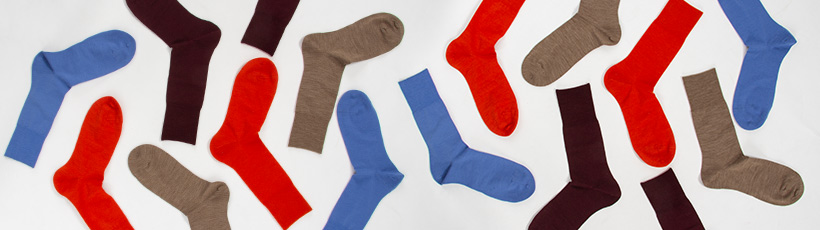 Sokker i ulike farger for damer og herrer